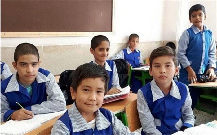 هیچ شهریه ای از دانش آموزان افغانستانی برای تحصیل در مدارس دولتی ایران دریافت نمی گردد