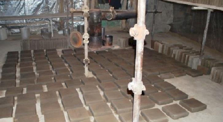 روشن شدن کوره های سنتی پخت آجر و کاشی در گنبد سلطانیه