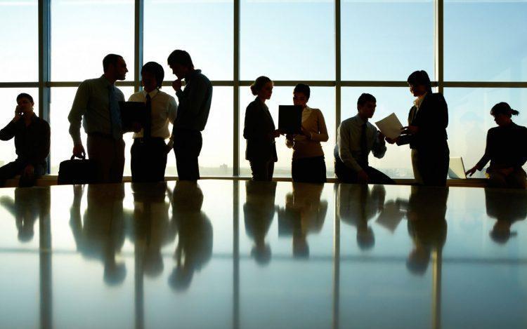 چرا مجمع سهامداران حقیقی به نفع سهامداران خرد است؟