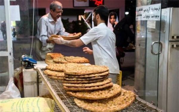 توصیه های کرونایی؛ تعداد مراجعه به نانوایی را کاهش دهید