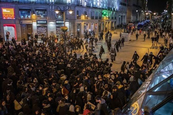اعتراضات اسپانیا به خشونت کشیده شد