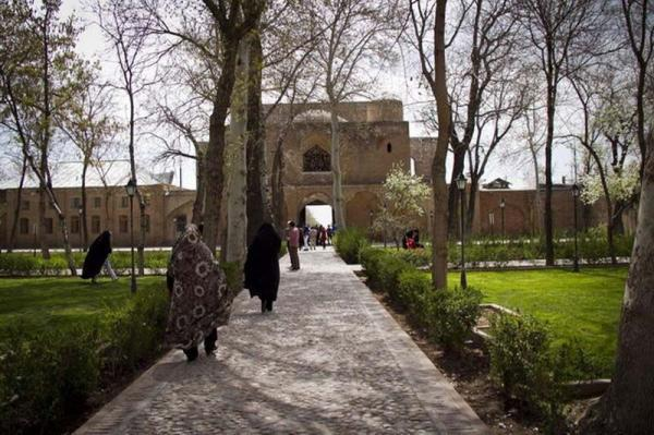 خبرنگاران بازسازی بخشی از مجموعه دولتخانه صفوی قزوین سال جاری انجام می گردد