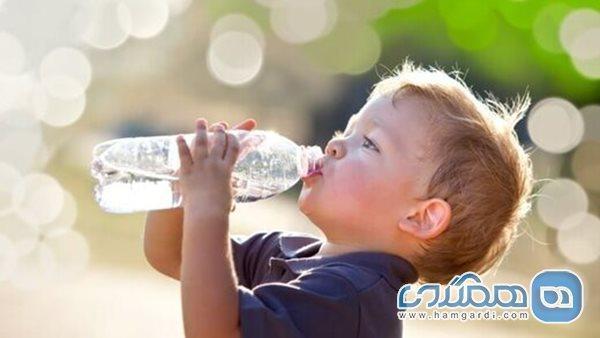 چقدر آب بخوریم و چگونه کمبود آب در بدن را تشخیص بدهیم؟