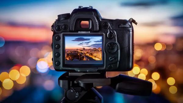 طراحی سایت: این سایت به شما می گوید که چه کسی با دوربین دزدیده شده یا گمشده شما عکس گرفته